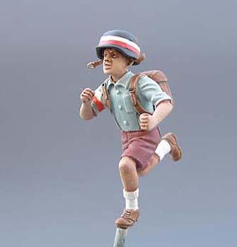 figurka chłopca z plecakiem sanitariusza 1:35